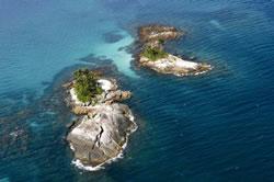 brazil - angra - botinas island
