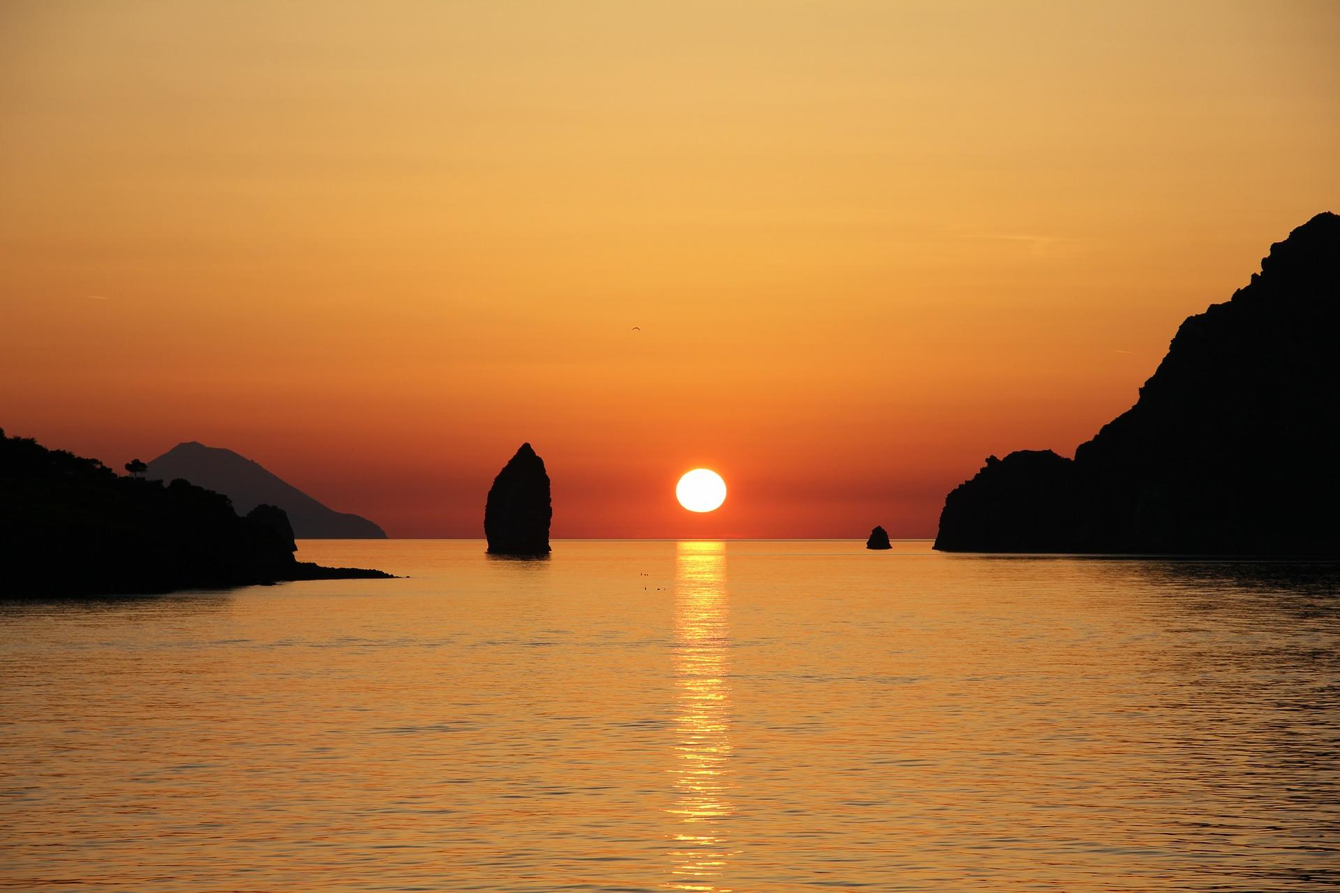 Aeolian islands, yacht charter sicily