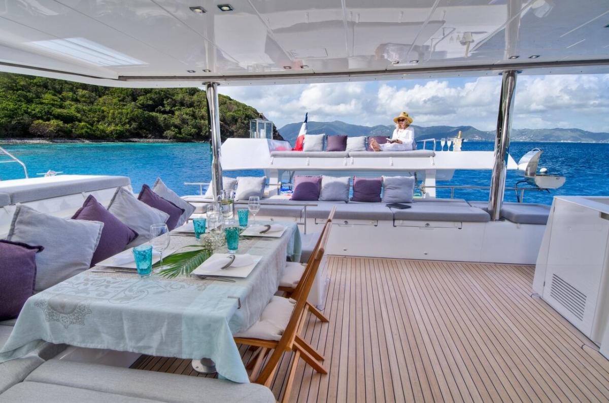 BVI Yacht Charter Lagoon 560