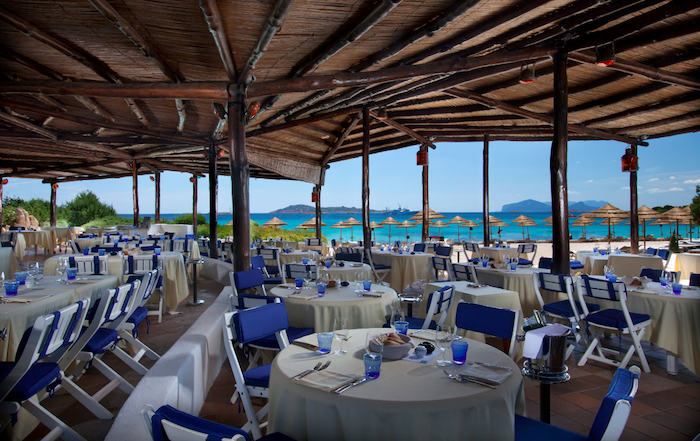 Enjoy fresh Mediterranean food at Romazzino