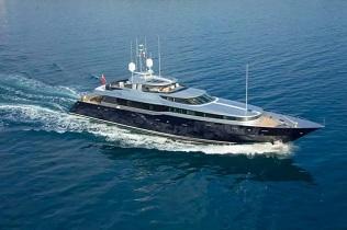 Grenadines Crewed Motor Yachts