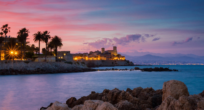 See the iconic Picasso Museum sitting right on the coast of Antibes
