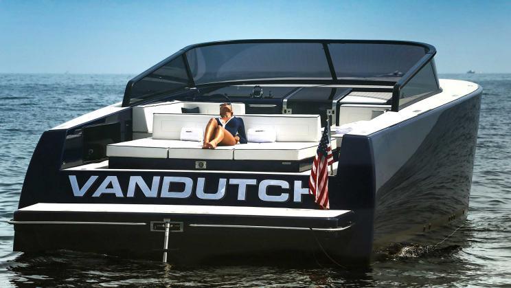 Van Dutch 55 for day charter