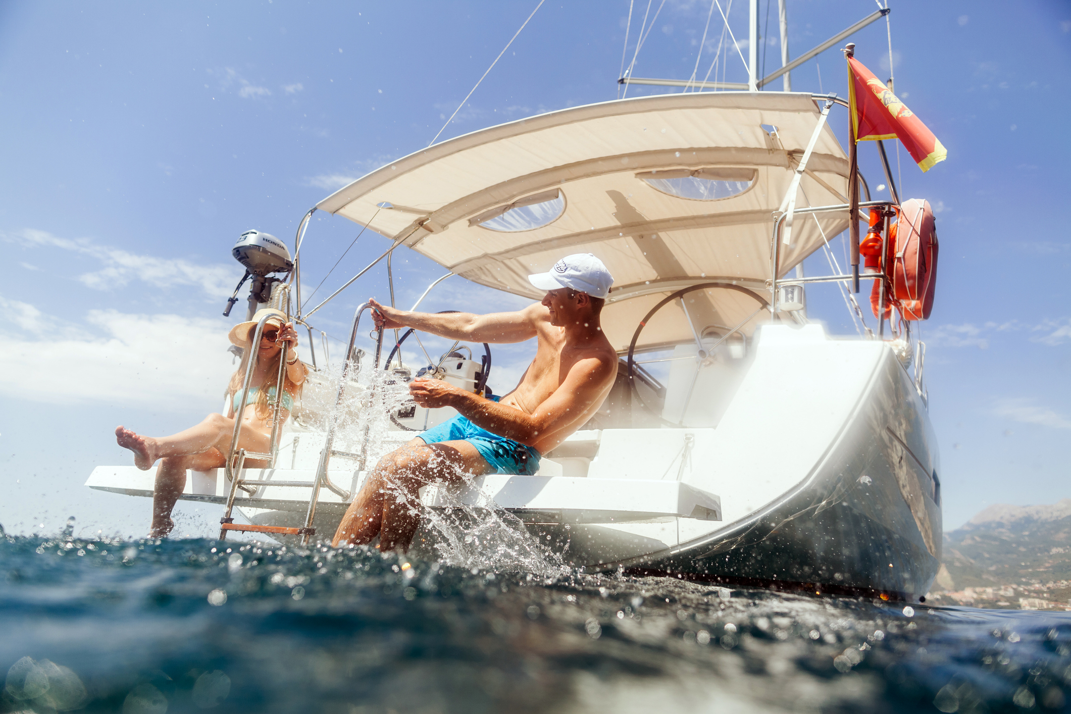 bareboat chartering with a license