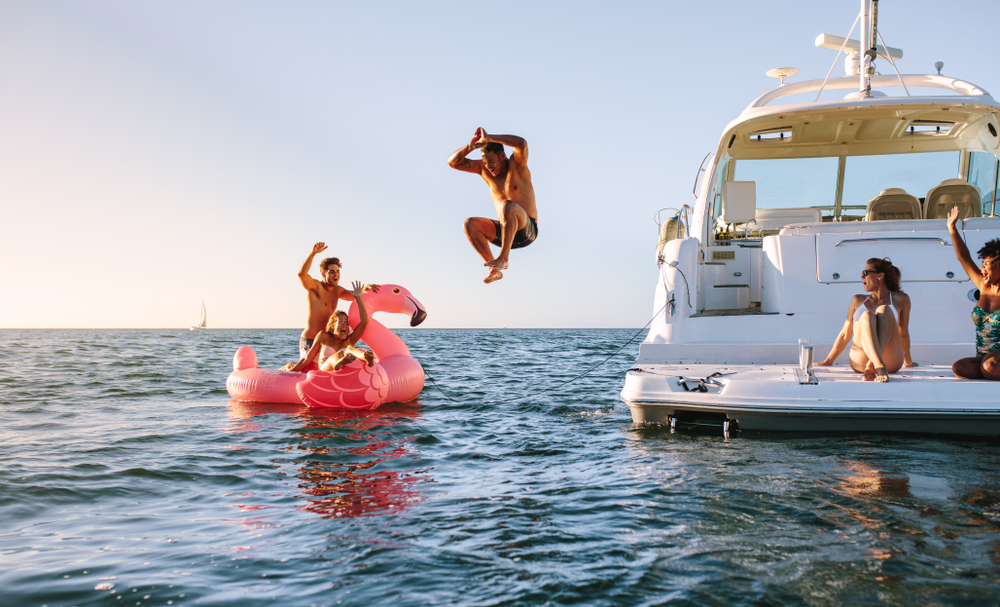 friend Sailing Vacations, yacht charter with friends, yacht charter group