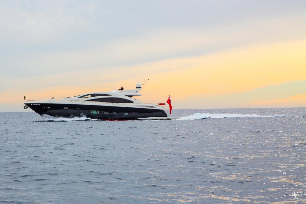 motor yacht, mega yacht, luxury yacht charter