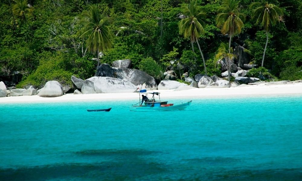 siantan islands anambas