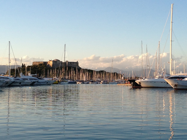 Charter a yacht in the famous port of Anitbes, on the French Riviera