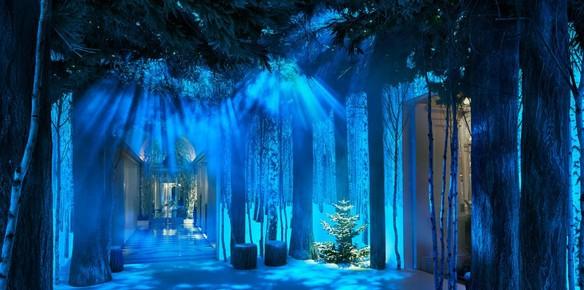 10883-claridges-hotel-lobby-transformed-into-winter-wonderland