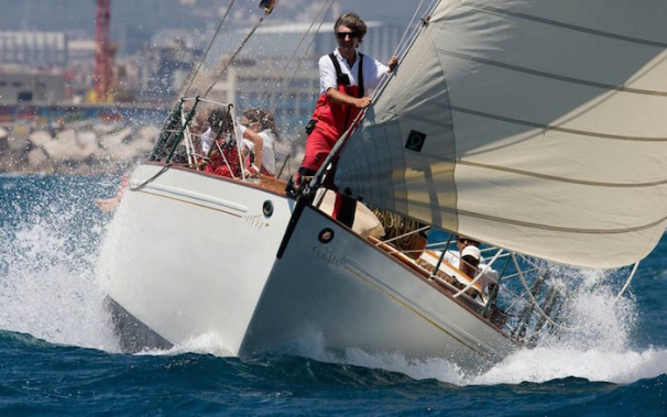 Racing at the Puig Vela Clàssica