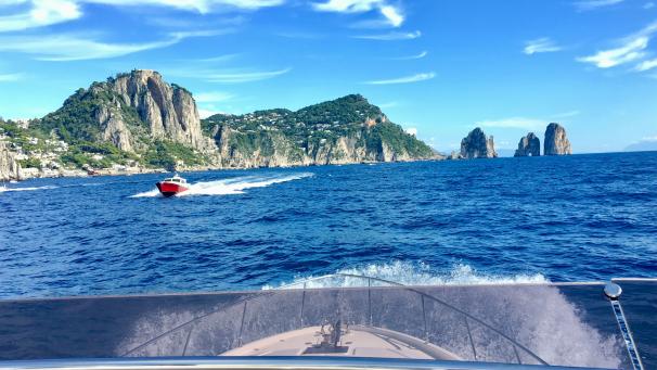 Cruising to Capri