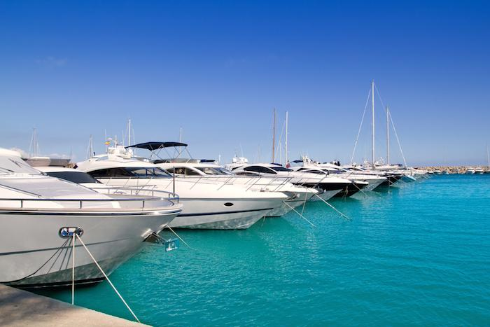 Charter a yacht in Spain