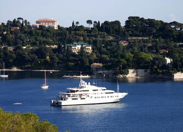 The glories of chartering a super yacht in the Riviera