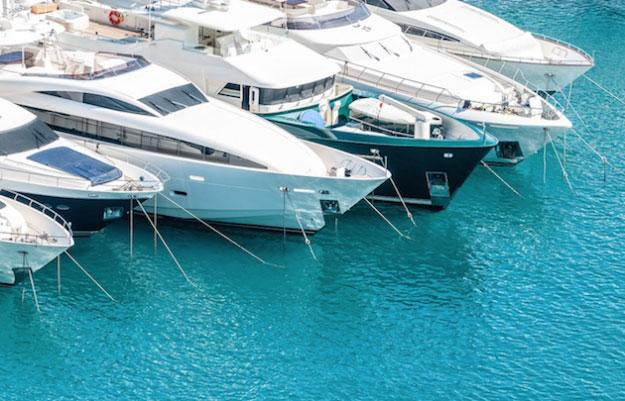 Charter a yacht with boatbookings