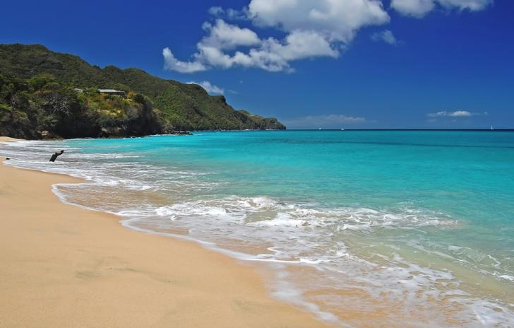 Charter a Yacht in the Windward Islands