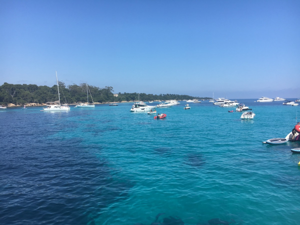 motor yacht, crewed motor yacht, cannes, iles des lerins, lerins islands, yacht charter, cannes yacht charter, boatbookings yacht charter