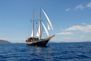 Alexander Achilles Yacht Charter