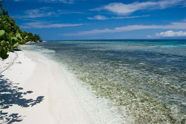 Yacht Charter Belize - the beautiful and unspoiled charter waters of Belize for you Catamaran Charter in Belize