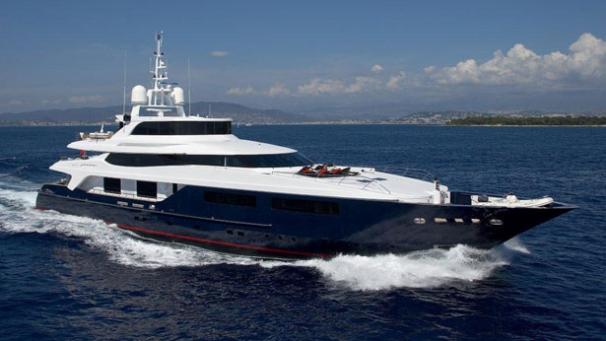 super yacht burkut
