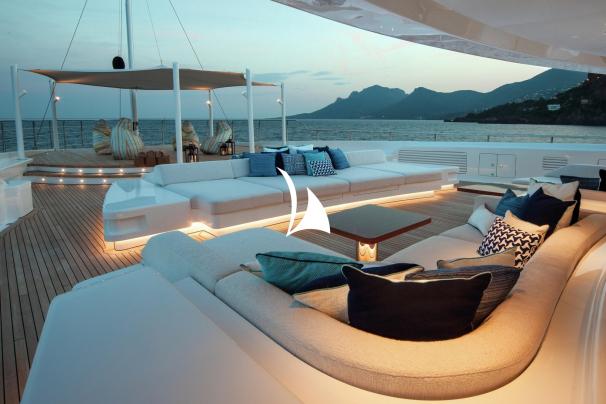 crewed motor yacht, motor yacht cloud 9, yacht cloud 9