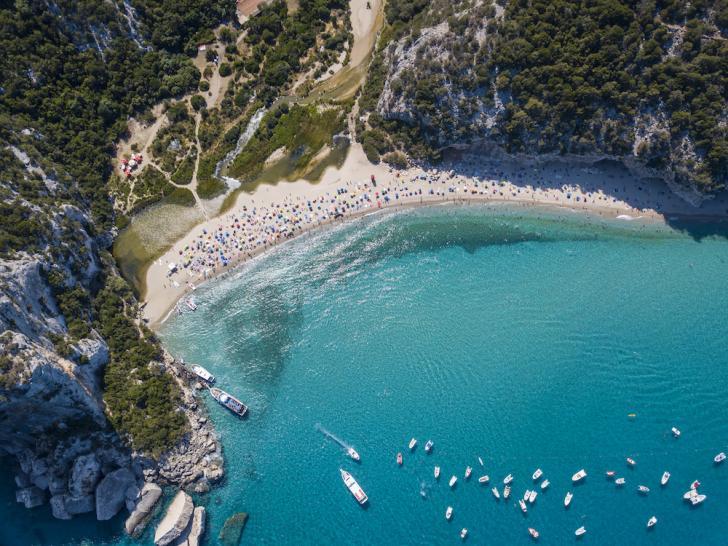 sardinia, porto cervo, la Maddalena yacht charter