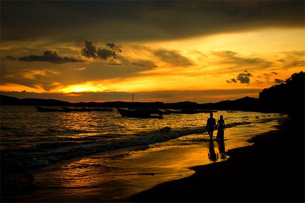 walk_on_beach