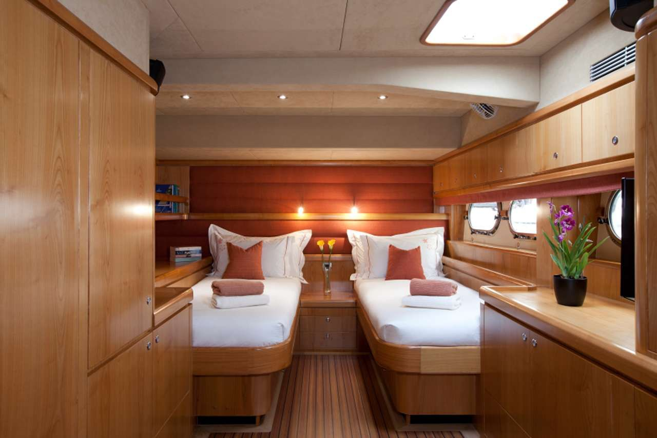 ORION Catana 90 Twin Guest Stateroom - Convertible