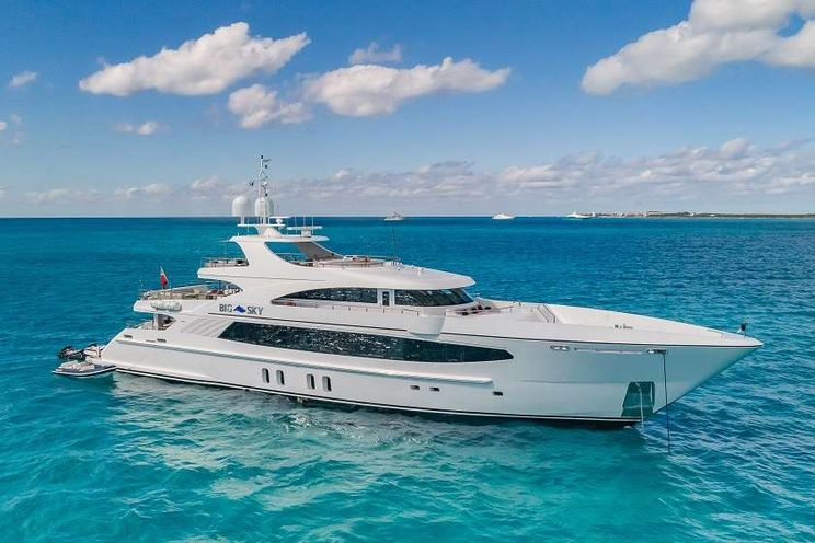Charter Yacht BIG SKY - Oceanfast 48m - 5 Cabins - Nassau - Staniel Cay - Exumas