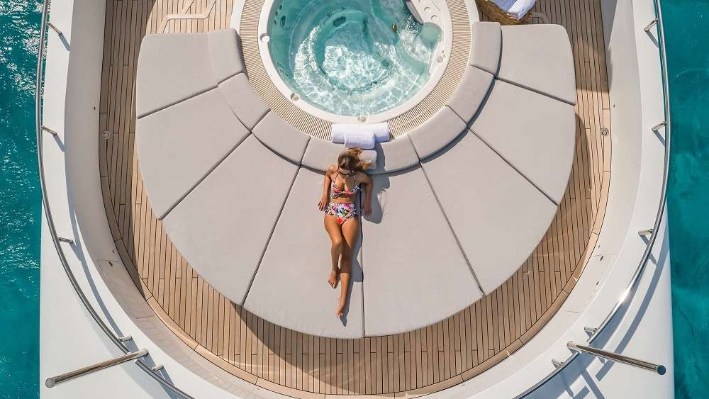 Bow Seating and Jacuzzi