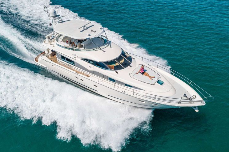 Charter Yacht MAXIMUS - Fairline Squadron 64 -  3 Cabins - Miami,Florida,Bahamas