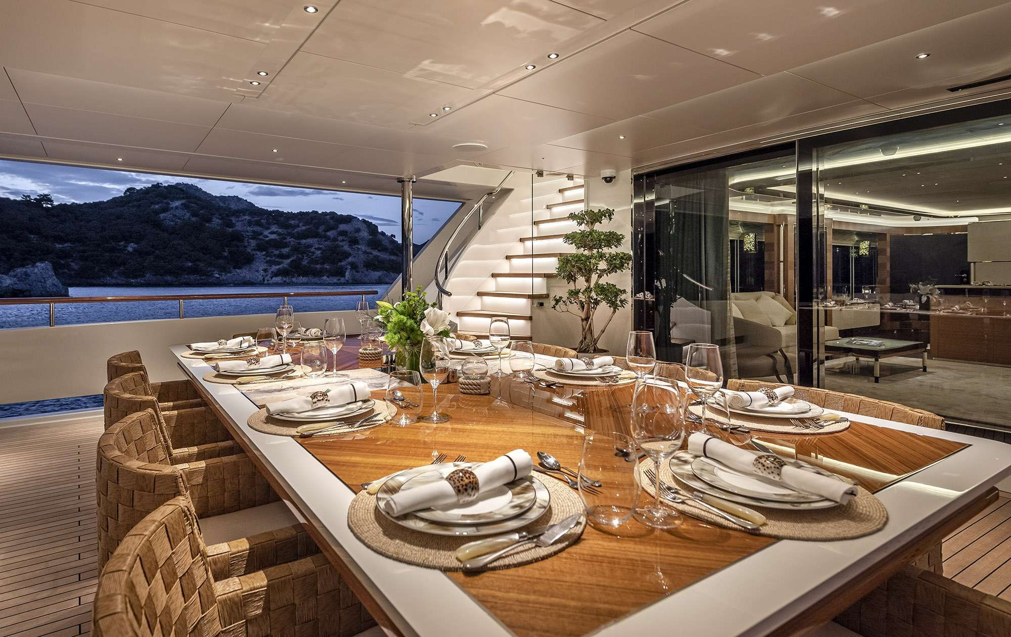 Alfresco Dining Main Deck