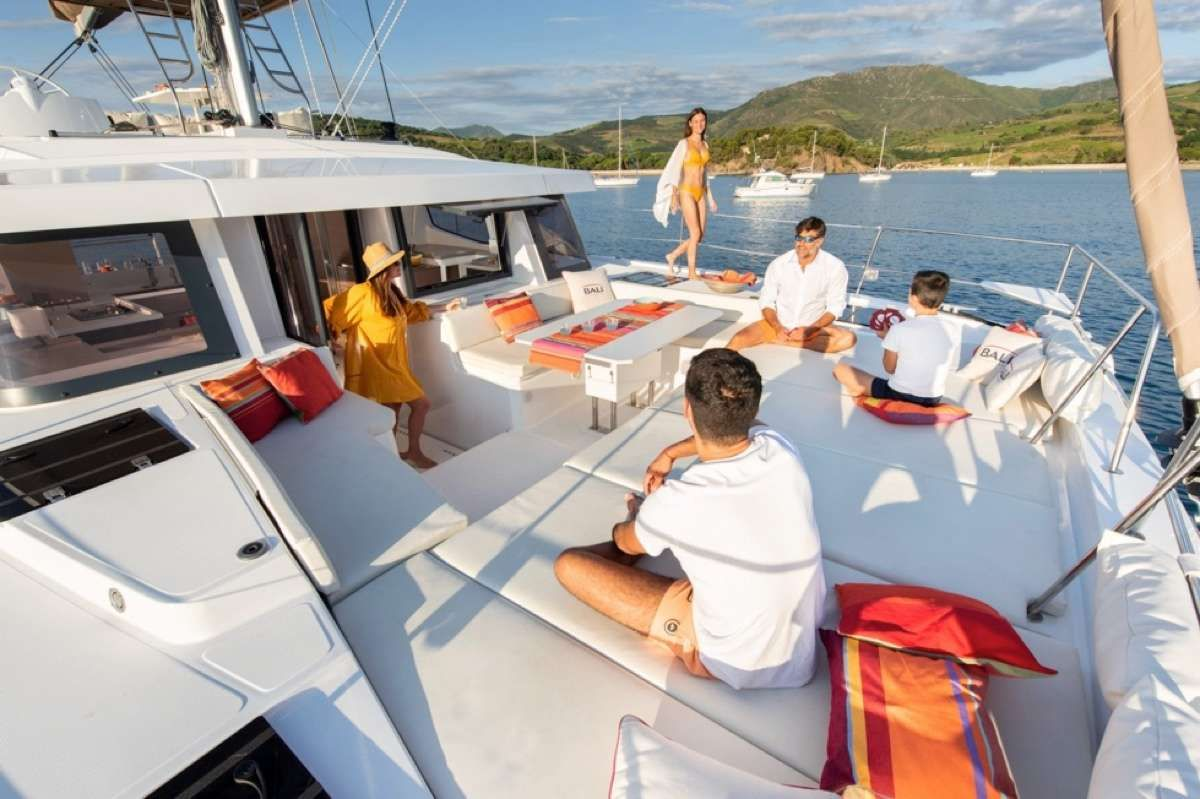 Foredeck lounge area