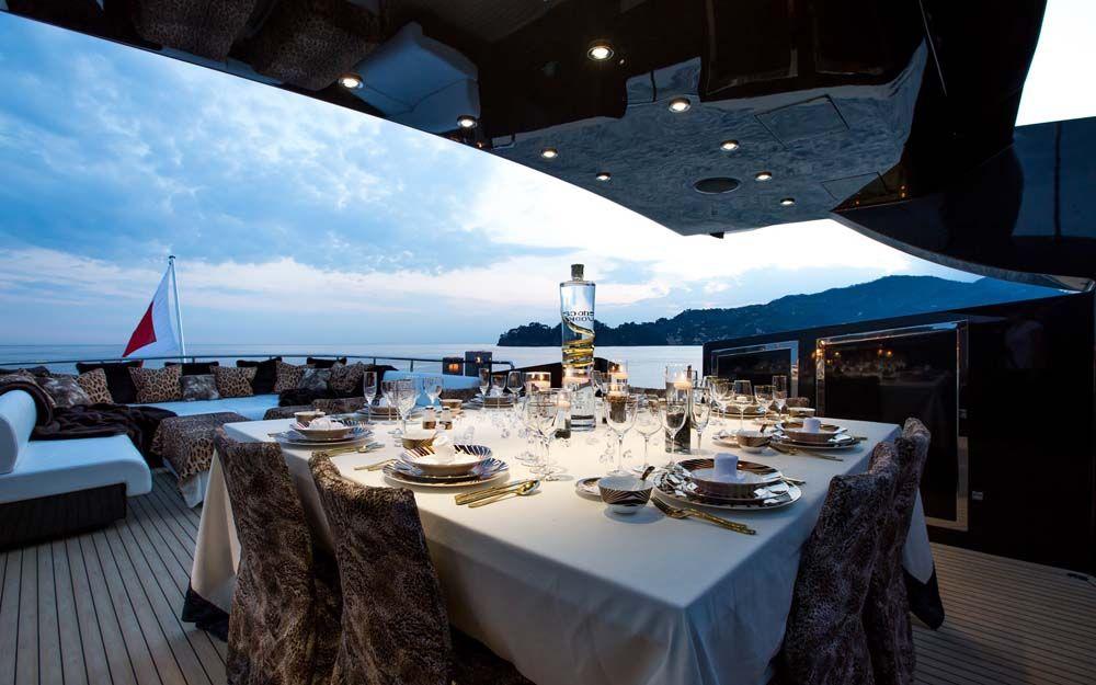 Aft deck dining 2