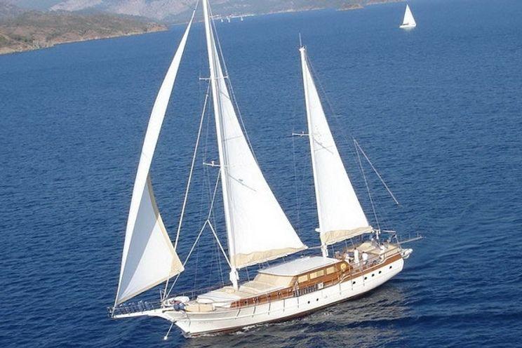 Charter Yacht AEGEAN SCHATZ - Custom Build - 5 Cabins - Athens - Mykonos - Lefkas