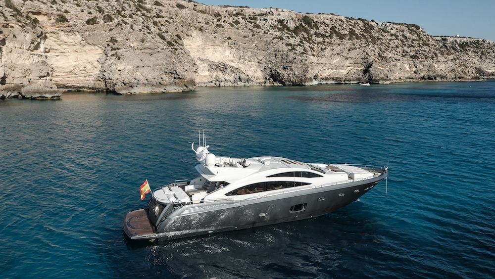 ALVIUM - Sunseeker Predator 84 - 4 cabins - Ibiza Port - Palma - Formentera