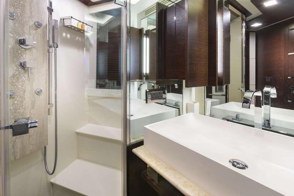 ANDIAMO Azimut 105 VIP En-Suite
