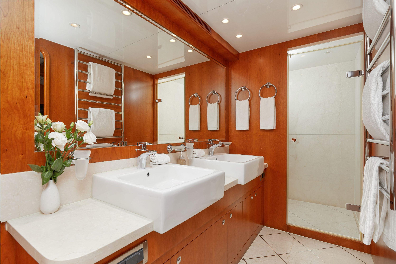 ANNABEL II Bathroom