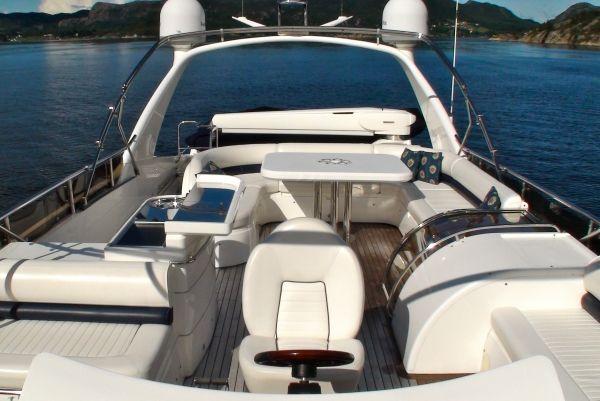 ANNE VIKING Princess 84 Luxury Motoryacht Flybridge