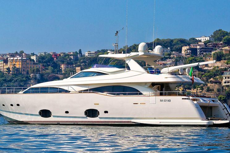 Charter Yacht ANNE MARIE - Ferretti Custom Line 97 - 4 Cabins - Italy - Naples - Capri - Amalfi Coast