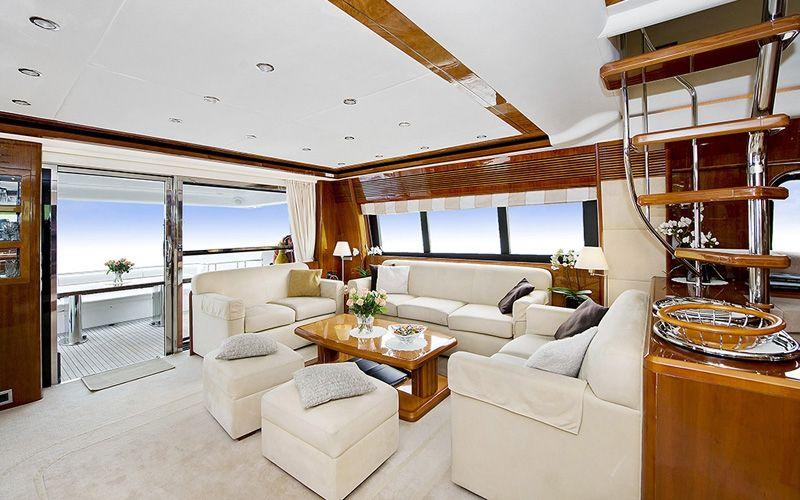 ANNE VIKING Princess 84 Luxury Motoryacht Lounge