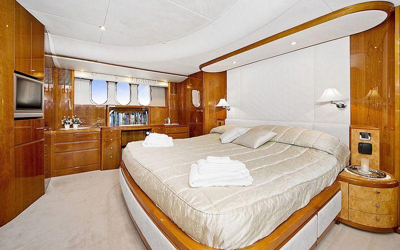 ANNE VIKING Princess 84 Luxury Motoryacht Master Cabin