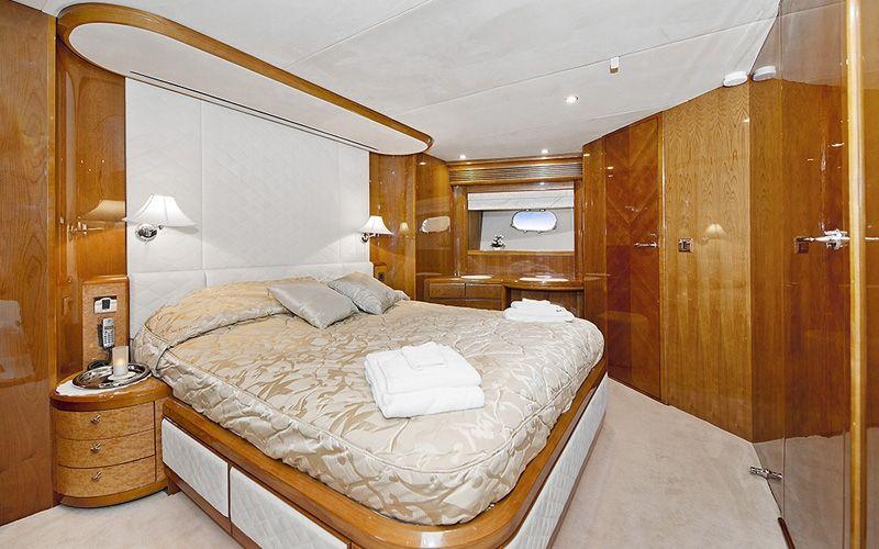 ANNE VIKING Princess 84 Luxury Motoryacht VIP Cabin