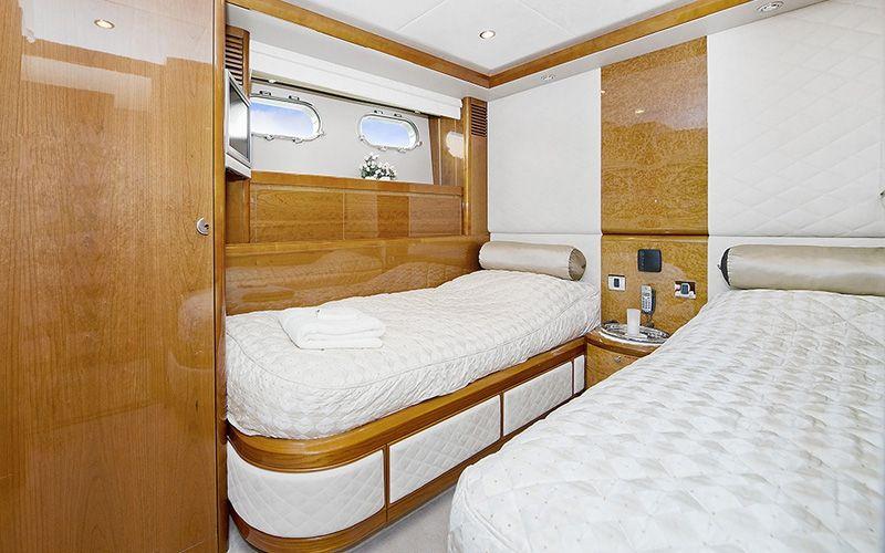 ANNE VIKING Princess 84 Luxury Motoryacht Twin Cabin