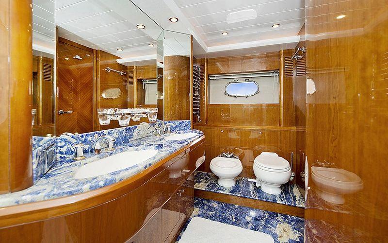 ANNE VIKING Princess 84 Luxury Motoryacht Master Bathroom