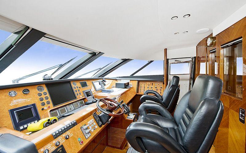 ANNE VIKING Princess 84 Luxury Motoryacht Bridge
