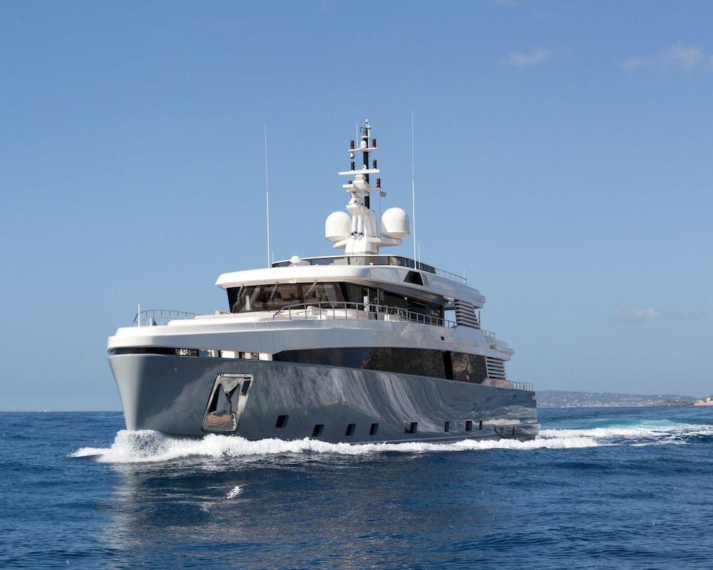 ASLEC 4 - Rossinavi 45m - 5 Cabins - Naples - Cannes - Monaco - Corsica - Sardinia