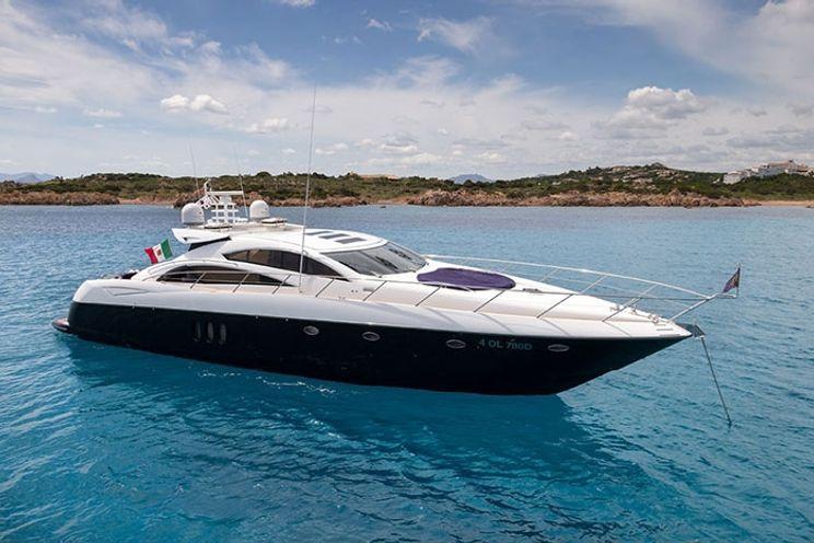Charter Yacht ASPIRE OF LONDON - Sunseeker Predator 72 - 4 Cabins - Porto Cervo - Poltu Quatu - Olbia - Sardinia - Corsica