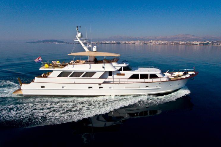Charter Yacht AURIANE - Broward Marine 99 - 3 Cabins - Split - Dubrovnik - Sibenik - Hvar