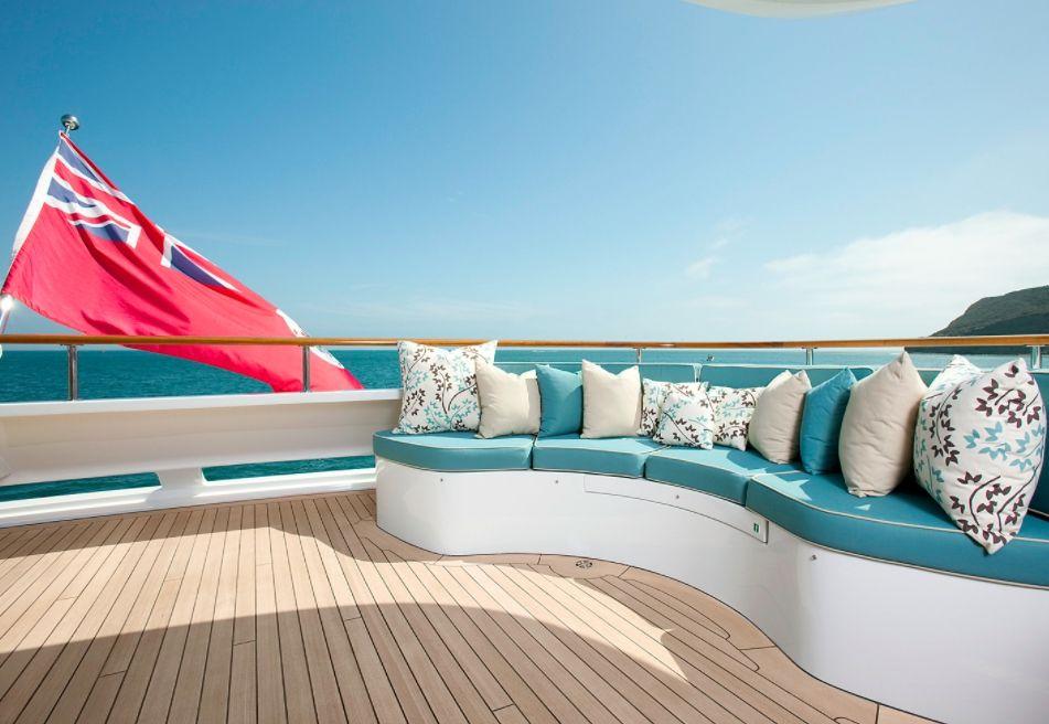 AVALON Luxury Motor Yacht - Sundeck