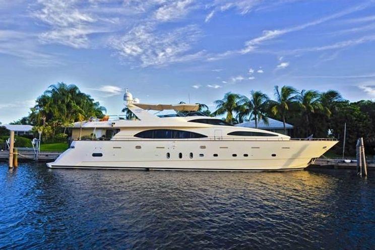 Charter Yacht Azimut 100 - 5 Cabins - Cancun - Isla Mujeres - Playa Del Carmen